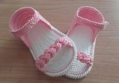 Crochet Baby Boots, Crochet Baby Sandals, Baby Girl Crochet, Crochet Baby Clothes, Crochet Shoes, Crochet Slippers, Baby Shoes Pattern, Crochet Designs, Baby Knitting