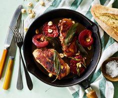 Kylling-saltimbocca med blommer og nødder | Spis Bedre