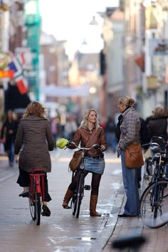 Groningen's bike-friendly Folkingestraat has been named the best shopping street in The Netherlands. Click image to share via Twitter. Visit the slowottawa.ca boards >> https://www.pinterest.com/slowottawa/