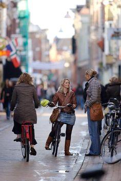 Groningen's bike-friendly Folkingestraat has been named the best shopping street in The Netherlands. Click image to share via Twitter. Visit the slowottawa.ca boards >> https://www.pinterest.com/slowottawa/