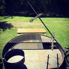 Dutch Oven, Garden Tools, Roast, Bbq, Metal Furniture, Wood Furniture, Courtyards, Ovens, Soldering