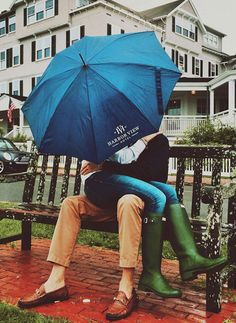 Classy Girls Wear Pearls: Snapshots From The Vineyard Estilo Preppy, Preppy Girl, Preppy Style, Preppy Outfits, Under My Umbrella, Classy Girl, Perfect Date, Girls Wear, Couple Pictures