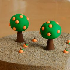Little orange tree Fimo/Polymer Clay Polymer Clay Miniatures, Fimo Clay, Polymer Clay Charms, Polymer Clay Creations, Clay Projects, Clay Crafts, Biscuit, Jumping Clay, Clay Fairies