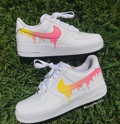 Pastel Yellow 💛+ Pink 💗Drip on Nike Air Forces! Zapatillas Nike Air, Nike Af1, Nike Shoes Air Force, Aesthetic Shoes, Cute Sneakers, Sneakers Women, Hype Shoes, Fresh Shoes, Herren Outfit