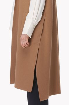 Side deep slit long vest Muslim Fashion, Hijab Fashion, Fashion Outfits, Womens Fashion, Long Vests, Linen Dresses, Keep Warm, Slow Fashion, Knit Cardigan