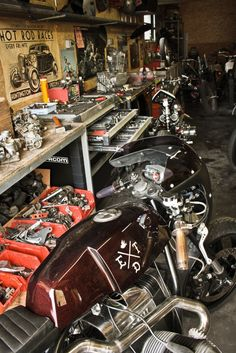 ~ED. TURNER Motorcycles, France http://caferacercult.gr/custom/ed-turner-motorcycles-france.html