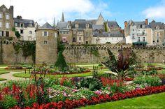 Vannes (golfe du Morbihan), Bretagne Region Bretagne, Castle Gate, Brittany France, Celtic Music, Club Face, Back In Time, That Way, Improve Yourself, Photos