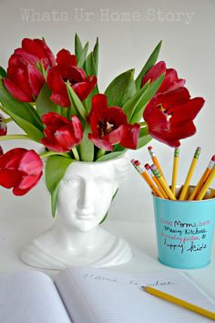 5 different ways to style a Ceramic Victorian bust vase. www.whatsurhomestory.com