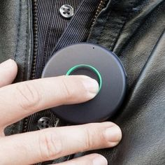 OnBeep's Onyx Is a Real-Life Star Trek Communicator BY STEPHANIE MLOT 11/5/14 Just clip the lightweight, circular Onyx onto your shirt, jacket, or bag, and tap the front button to talk. OnBeep Onyx