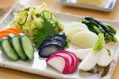 ●【7月29日は福神漬の日】福神漬の名称は「七福神」に由来7月29日は「福神漬の日」。漬物の製造・販売をする株式会社新進によって制定されたものです。そもそも福神漬は、たくさんの野菜を使っていることから、 Asian Recipes, Ethnic Recipes, Fruit Drinks, Raw Vegan, Japanese Food, Sushi, Buffet, Food And Drink, Menu