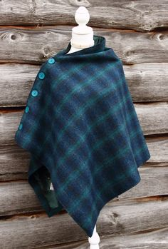 A stunning Harris tweed which blends shades of rich blue, green and torquoise. The poncho has been lined with a soft satin and embellished with vibrant torquoise functioning buttons. Sewing Clothes, Diy Clothes, Blanket Poncho, Country Wear, Fabric Yarn, Vintage Fur, Altering Clothes, Harris Tweed, Budget Fashion