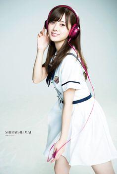 May Shiraishi - Hot Girls Asian Cute, Cute Asian Girls, Cute Girls, Cute Japanese, Japanese Beauty, Asian Beauty, Girl With Headphones, Asian Celebrities, Japan Girl
