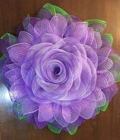 Mesh Ribbon Wreaths, Paper Flower Wreaths, Sunflower Wreaths, Deco Mesh Wreaths, Burlap Wreaths, Burlap Flowers, Wreath Crafts, Diy Wreath, Wreath Ideas