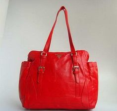 Prada 20121 New Style and Beautiful Colour Handbag in Red