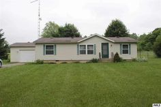 8205 Hilldale, Springport, MI  $80,000  Susie Mohlman, Real Living Sproat Realty  Office: 517-589-9677 Cell: 517-206-3332