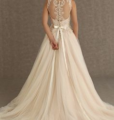 Beautiful ivory wedding dress with lace back