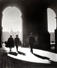mimbeau: Guichets du Louvre Paris circa 1955 Edith Gérin
