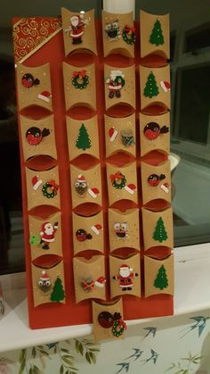 25 arrival calendar decoration ideas to remember for a charming home accessories decor Homemade Advent Calendars, Advent Calendars For Kids, Christmas Countdown Calendar, Diy Advent Calendar, Christmas Gift Decorations, Christmas Crafts, Christmas Love, Xmas, Advent Calenders