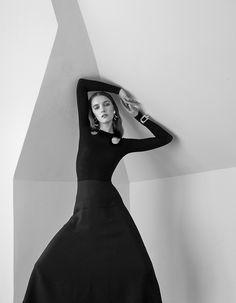 Neue Journal December 2015.                Photography: Manolo Campion.   Styled by: Dianna Lunt.   Hair: Nicolas Eldin.   Makeup: Yacine Diallo.   Model: Irina Liss.