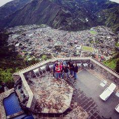 """""""Foto en #LunaRuntun, atrás de nosotros #Baños #Drone #DJI"""" - osmarquimi (Instagram)"""