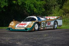 This is thought to be the fastest Porsche 962 ever built - chassis Legendary racing driver Derek Bell drove the car to victory at the 1989 Porsche Motorsport, Porsche 911 Gt3, Sports Car Racing, Drag Racing, Auto Racing, Classic Sports Cars, Classic Cars, Police Cars, Race Cars