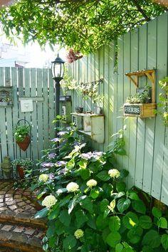 Beautiful Small Cottage Garden Design Ideas For Backyard Inspiration Garden Yard Ideas, Garden Projects, Garden Art, Home And Garden, Cacti Garden, Big Garden, Garden Living, Garden Tips, Cottage Garden Design