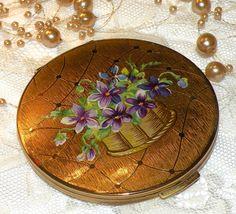 Vintage Stratton Powder Compact Flower Basket by RosePetalResources, $34.00