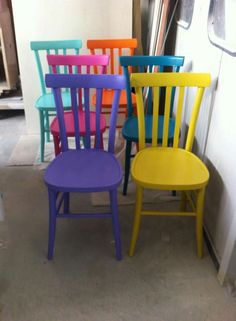 #chair # color #home Furniture Repair, Paint Furniture, Home Decor Furniture, Furniture Makeover, Home Furnishings, Colorful Chairs, Colorful Furniture, Deck Decorating, Interior Decorating