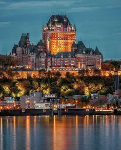 Quebec City is a truly unique French Canadian city. We suggest the best 4 places to visit first and give you a taste of Quebec with 15 curated pictures Places Around The World, Oh The Places You'll Go, Travel Around The World, Places To Travel, Travel Destinations, Places To Visit, Quebec Montreal, Quebec City, Chateau Frontenac Quebec