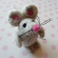 adorable felted mouse too cute for words