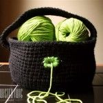 This simple to crochet yarn basket will keep your yarn from rolling all over the place and help separate your skeins. It's great for storage, and to take with you on the go. SIZE Bottom Circle Diameter: Side Height: MATERIALS NEEDED Crochet Bowl, Crochet Diy, Crochet Hooks, Crochet Baskets, Crochet Things, Crochet Ideas, Crochet Earrings Pattern, Crochet Patterns, Knitting Patterns