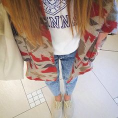 今日のピックアップ #fashionista はMakiさん✨ ロシアン帽とネイティブ柄のアウターがとってもかわいい☺ #ootd #fashion #coordinate #vans #moussy #spring #highlyapp made with @highly_official