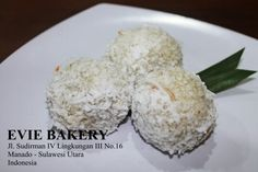 Onde is made with glutinous rice topped with coconut. Get a bite and brown sugar will melt to your mouth, delicious.