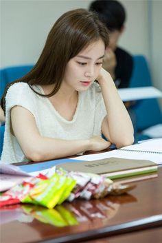 Joo-won goes on the run for Yong-pal » Dramabeans Korean drama recaps
