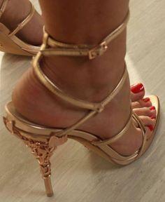Hot High Heels, Sexy Heels, Womens High Heels, Beautiful Toes, Gorgeous Heels, Girls Heels, Shoe Art, Women's Feet, Fashion Heels