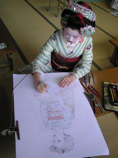 Geisha-- such a pretty photo Geisha Drawing, Geisha Art, Japanese Geisha, Japanese Kimono, Japanese Beauty, Japanese Style, Japanese Fashion, Kyoto, Samurai