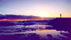 Day 33/40. #40daysofdawn #queensland #australia #discovergoldcoast #discoveraustralia #discoverqueensland #kiritareha #ig_australia #igscglobal #beach #snapper #snapperrocks #naturephotography #nature #sunrays #sunrise #water #rocks #clouds #cloud #sky #bright #goldcoast #waterreflection #wherethelonelysoulsgo # by kirialldayallday