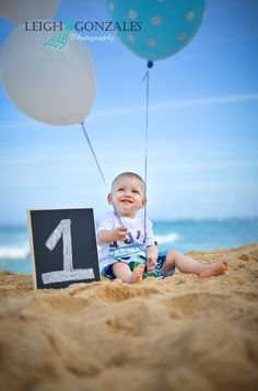 Leigh Gonzales Photography | Family Beach Photographer | Oahu Hawaii | Happy 1st Birthday Photo Session | PORTFOLIO