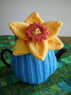 """Daffy"" tea cosy"
