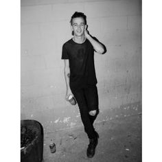 Matt Healy- The 1975. I have such a crush it's not even funny.