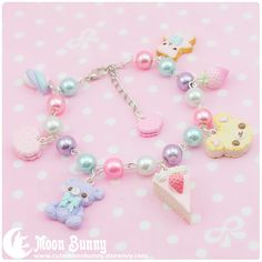 ~ Dreamy candy Bracelet~    Bracelet length:19 cm + 5 cm (extend chain)    We've made our best to portray the colors of jewelry as accurately as possible, however colors will vary with individual monitors and subject to individual opinion.