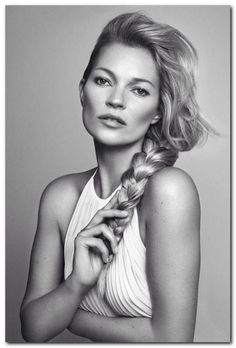 Most Memorable Kate Moss Hairstyles (73)