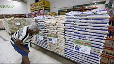 Empresarios rechazan nueva ley de importación de alimentos en Panamá http://www.inmigrantesenpanama.com/2015/05/25/empresarios-rechazan-nueva-ley-de-importacion-de-alimentos-en-panama/