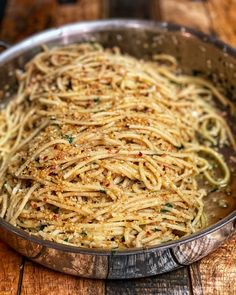 With just a few simple ingredients, this pasta with anchovies and walnut breadcrumbs will easily become a favorite weeknight meal. Pesto Grilled Shrimp, Grilled Oysters, Fish Recipes, Seafood Recipes, Pasta Recipes, Anchovy Recipes, Fish Pasta, Big Meals, Baked Fish