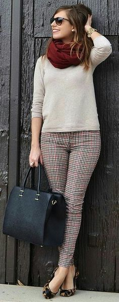 Love the pattern mixing. Would do a smaller brown handbag tho