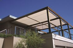 Retractable Awnings – Outdoor Shade Solutions | Issey