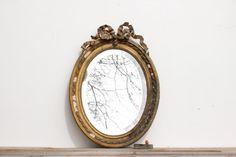 Français vintage miroir chic minable ovale par Frenchvintagecharm #Vintage#Etsy#Brocante#Flea market#Frenchvintagecharm#Miror#Miroir#Gold#or#Antic#retro