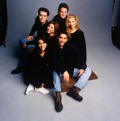 Friendsgiving is coming to a theater near you this November. In celebration of the show's anniversary, eight Friends' Thanksgiving episodes will be shown in theaters across two days on Nov. Tv: Friends, Friends Tv Show, The Cast Of Friends, Friends Moments, Friends Series, I Love My Friends, Friends Forever, Funny Friends, Friends Thanksgiving Episodes