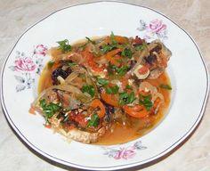 Baked fish with vegetables - Saramura de peste