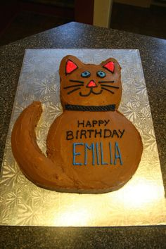 Discover recipes, home ideas, style inspiration and other ideas to try. Birthday Cake For Cat, Girl 2nd Birthday, Homemade Birthday Cakes, Birthday Desserts, Birthday Cake Decorating, Homemade Cakes, Cookie Decorating, Birthday Kitty, Birthday Ideas